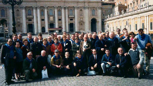 Religiosos, familiares y amigos en la Misa de Beatificación 11 de marzo de 2001